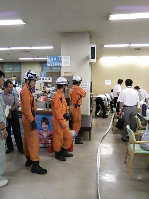 市役所庁舎の避難訓練