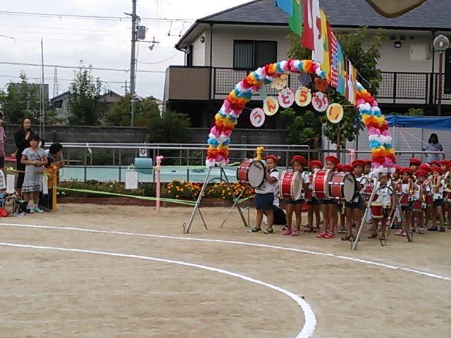 楠幼稚園、くすのき保育所の運動会へ♪