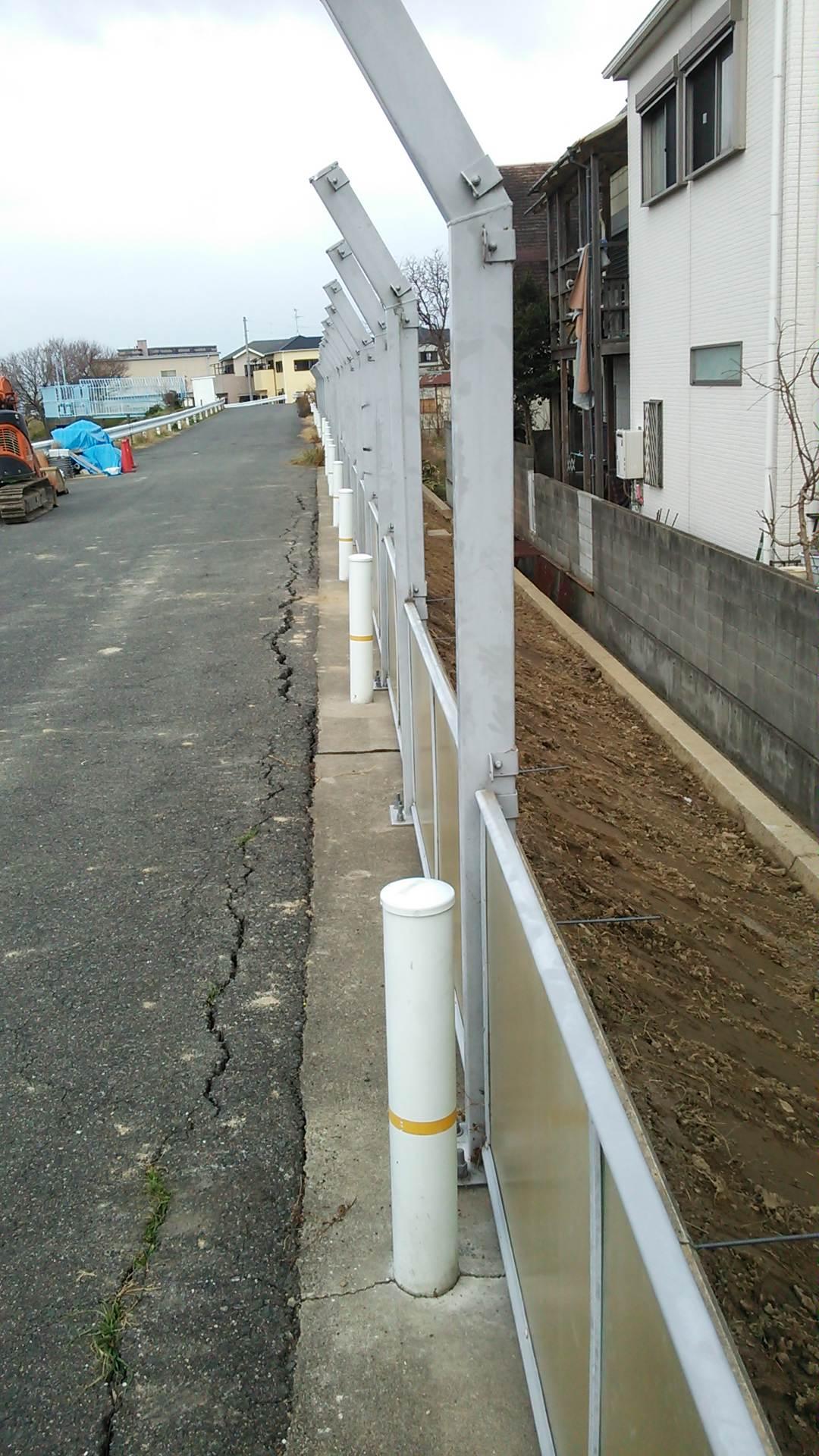 大津川堤防道路の補修工事